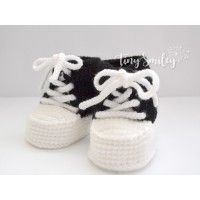 Black white newborn sneakers crochet, Crochet baby sneakers, Newborn booties