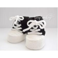 Black white newborn sneakers crochet, Crochet baby sneakers, Newborn booties