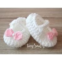 Crochet newborn girl booties, Baby booties, Crochet booties girl