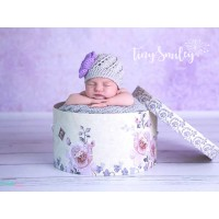 Gray flower baby girl crochet hat with lavender flower